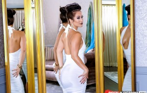 Digital Playground Renews Eva Lovia