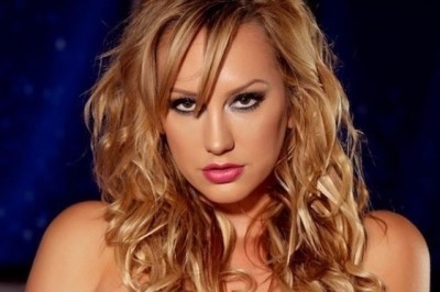 Brett Rossi Rewards Her Fans with Swag