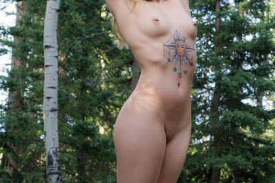 Anna Claire Clouds Spends Time in Nature & Takes Her Fans with Her