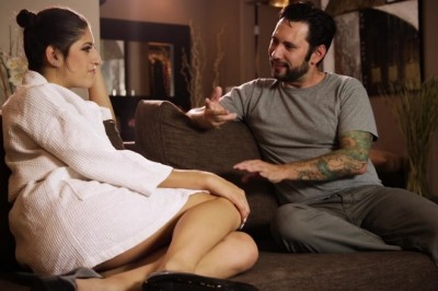Nikki Knightly Gives Tommy Pistol More Than a Massage